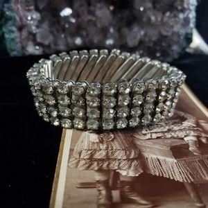 Beautiful late '20s early '30s rhinestone bracelt.